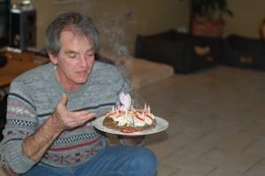 Stefan hat für Milka die Kerzen ausgepustet